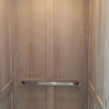 H19-home-elevator-cab-interior5_gulfside-elevator-naples-florida